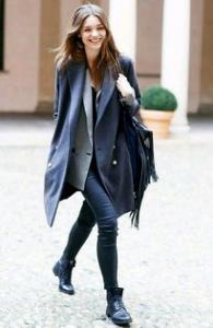 """徐娇:穿汉服不是""""复古"""" 配上高跟鞋一样有美感"""